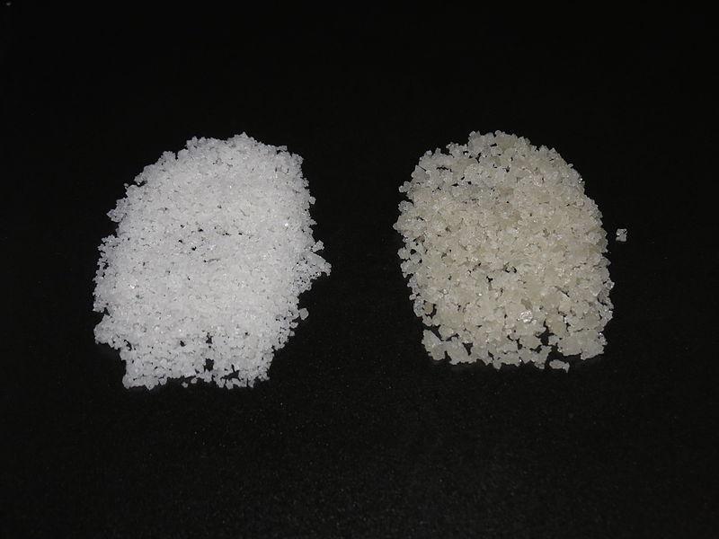 la flor de sal es más blanca que la sal gorda