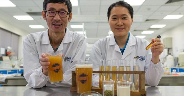 Foto de los inventores de la cerveza probiotica